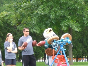 Eagles mascot Swoop